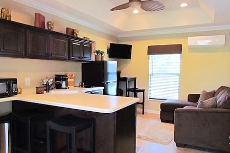 Brand New Guest House - Close to Flagler Beach! - Палм-Кост
