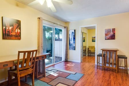Room type: Entire home/apt Bed type: Futon Property type: Cabin Accommodates: 3 Bedrooms: 1 Bathrooms: 1