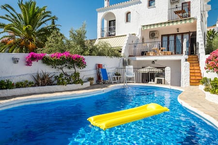 Lovely apartment with private pool - Nerja - Lägenhet