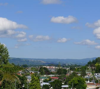 Comfortable & Affordable for Backpackers with View - Tauranga - Bed & Breakfast