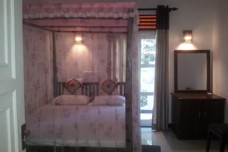 deluxe double room - Hambantota - Bed & Breakfast