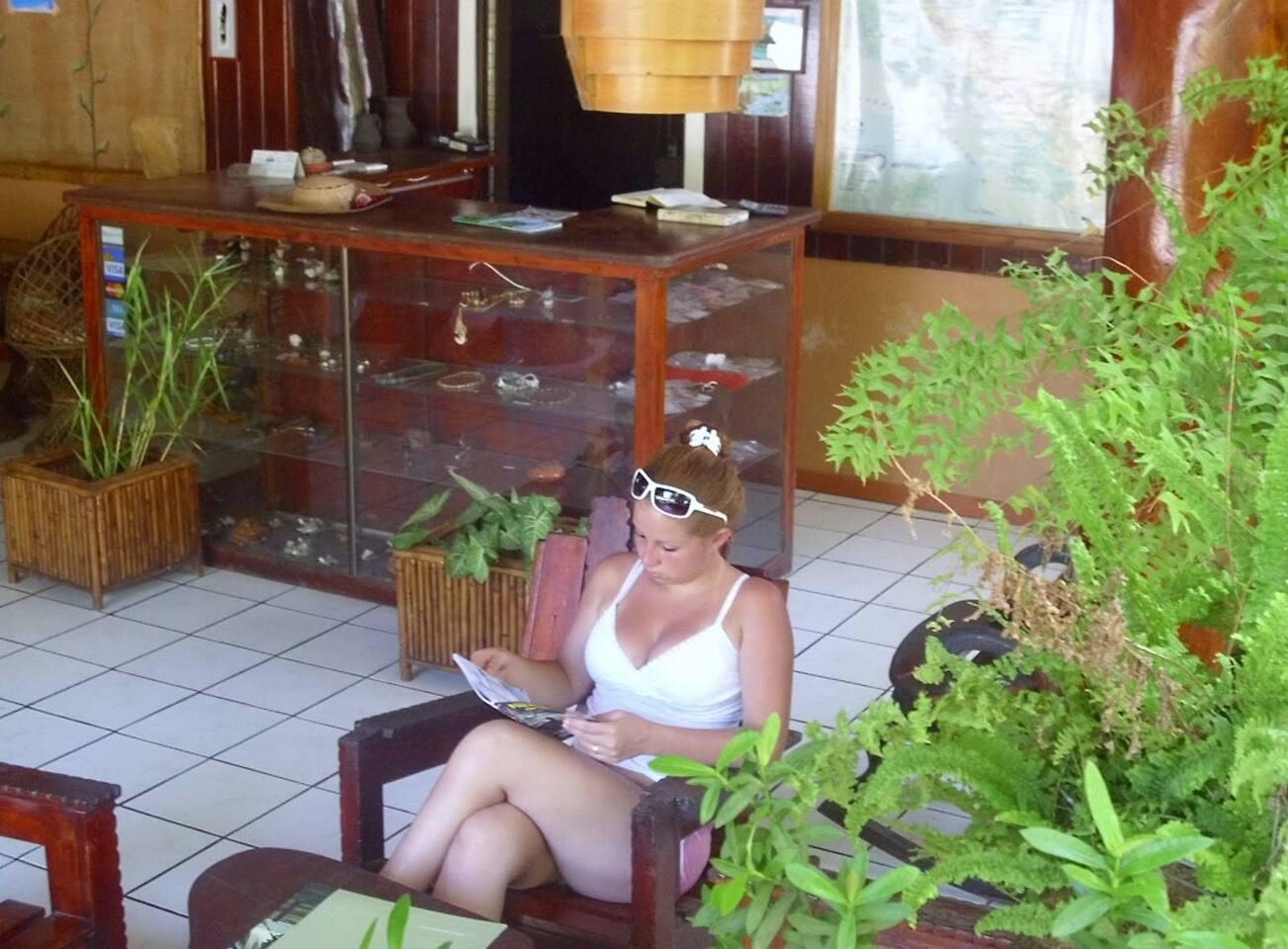 Reading in Cabinas Cristina ......