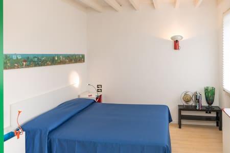 Camera doppia con uso piscina - Thiene - Villa