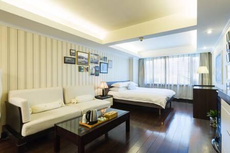 杭州西湖音乐喷泉凯悦酒店2号楼简欧风格大床