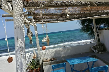 BAREFOOT: 6 steps to the beach! two rooms - Monopoli  - Villa