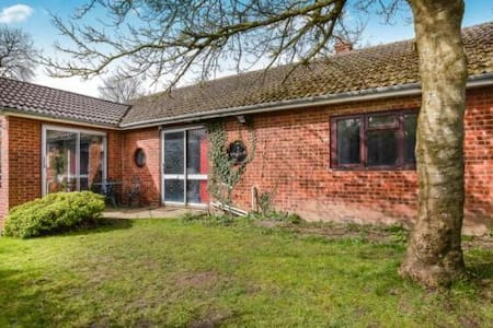 Country Retreat 1 hr from London - Buckingham - Casa