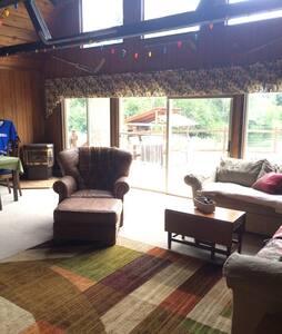 Your Basecamp in the Cascades - Cle Elum - Sommerhus/hytte
