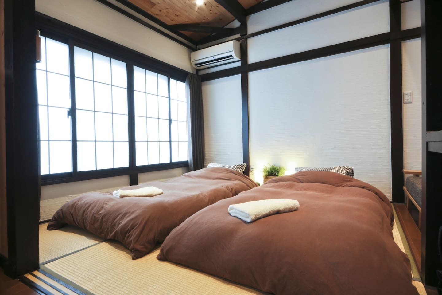 2nd Floor Bed-Room with Sofa (Japanese Style)