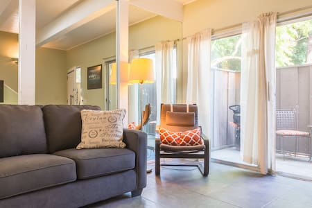2story townhouse near beaches/UCLA! - Culver City - Townhouse