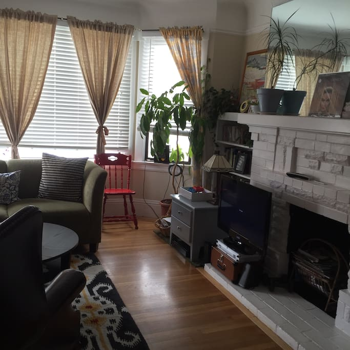 Charming cozy apt in the Richmond