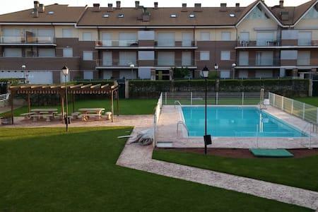 Apartamento en Alesanco con piscina verano. - Alesanco - Flat