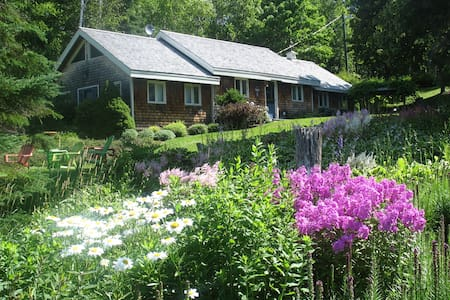 Relaxing waterfront cottage - Mundleville - Cabane