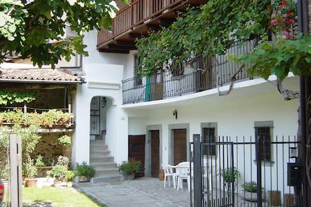 Appartment Rosa - Crone - Apartment