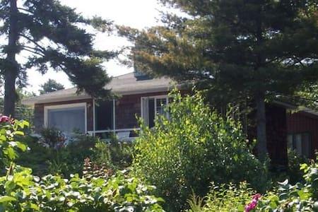 Pebble Cottage - Blockhütte