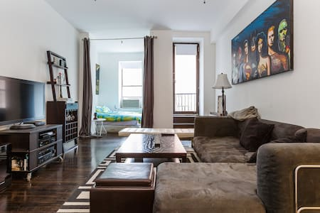 Spacious 1 BD in Union Square.
