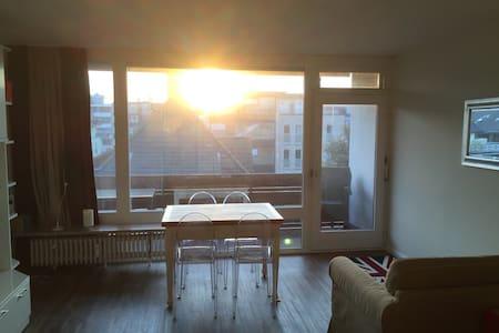Central, bright & quiet w balcony - Westerland