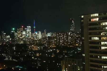 Downtown Toronto-Great Location!!!