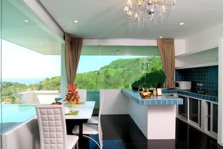 4 bedroom + pool + seaview