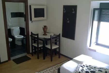 Kore Guest House - Bed & Breakfast