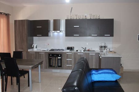 Room in 2 bedroom flat with teracce