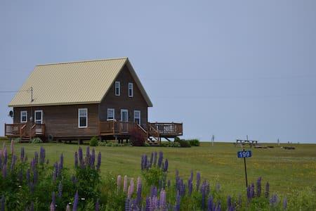 A Cottage @Malpeque - Cabin