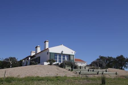 Monte Alentejano com piscina - Villa