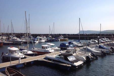Ballycastle Escape - Sea Front - Ballycastle - Lejlighed