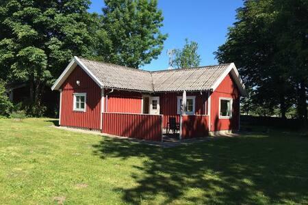 Hyggeligt hus i Brösarp N. Bakker - Cabin