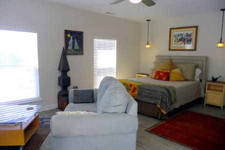 ARTFUL STUDIO SUITE, Mt. Pleasant