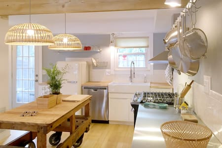 Broad Ripple gem♥ newly remodeled - Lyxvåning
