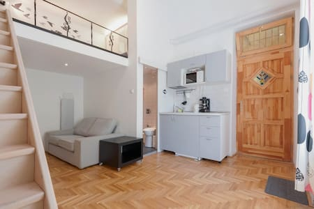 Studio near City Park&Center w/AC - Budapest