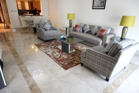 499 New 1 BD in Fairmont Palm - Flat
