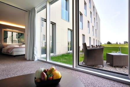 Grande Suite avec petit jardin proche de l'EPFL - Saint-Sulpice