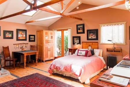 Artist's Studio Retreat - Ojai - Bungalow