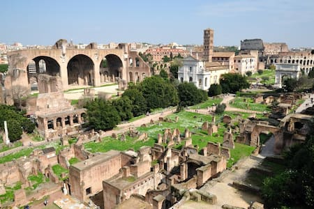 Top 20 holiday lettings rome holiday rentals apartments for Airbnb roma
