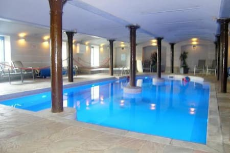 Double room with pool, spa & gym