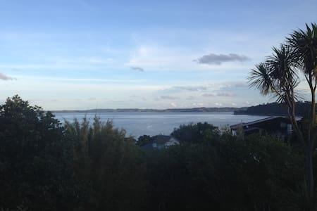 Leigh Studio with sea views