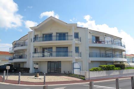 STUDIO CABINE : CORNICHE FACE MER SION SUR L OCEAN - Saint-Hilaire-de-Riez - Daire