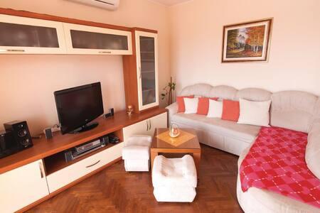Apartment Helena & Sandi - Huoneisto