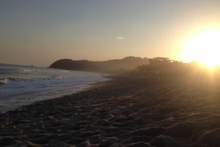 Casa na Praia da Barra da Una, 150m da praia. - São Sebastião - Casa