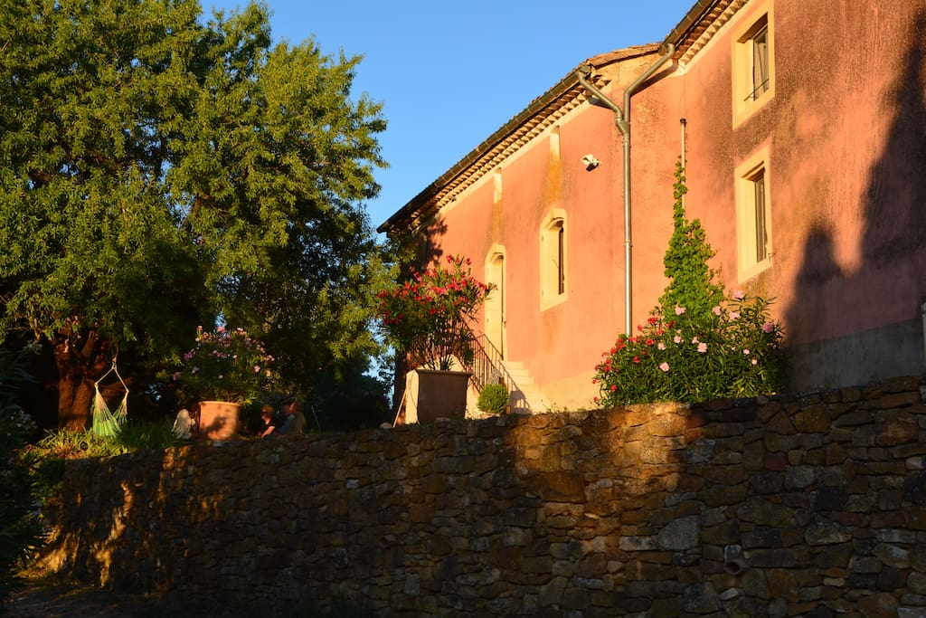 Big old house 8mn from Uzes