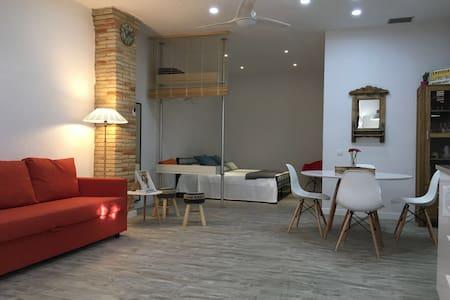 LOFT COSTA BRAVA-CASTELLÓD'EMPÚRIES - Loft