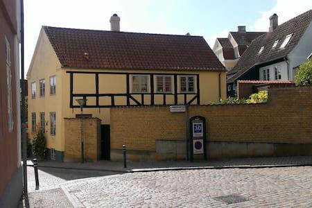 Bindingsværkshus fra 1850. - Haderslev