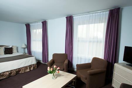 A cosy double room +bathroom - Riga