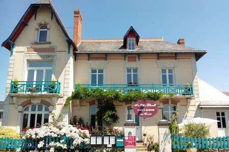 Chambre d'hôte - Les Rosiers-sur-Loire - Bed & Breakfast