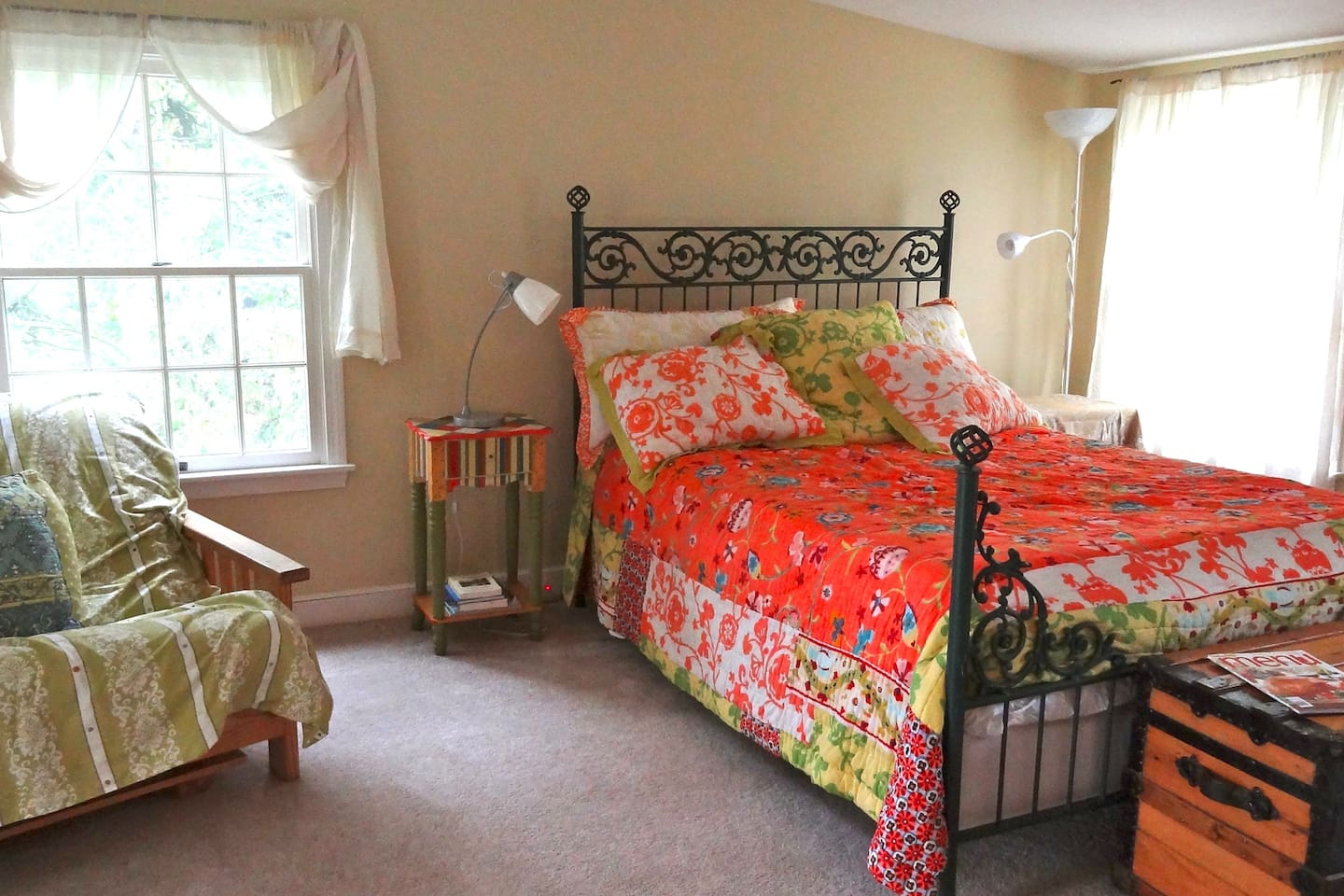 Bedroom; Queen bed, sunrise and sunset