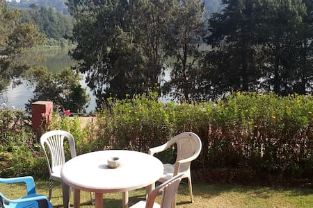 Reflections Homestay, Ooty - Bed & Breakfast