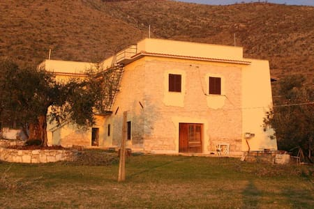 Agriturismo Sorgiulio - Bed & Breakfast