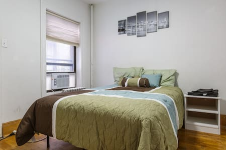 Cozy Room Minutes from Times Square