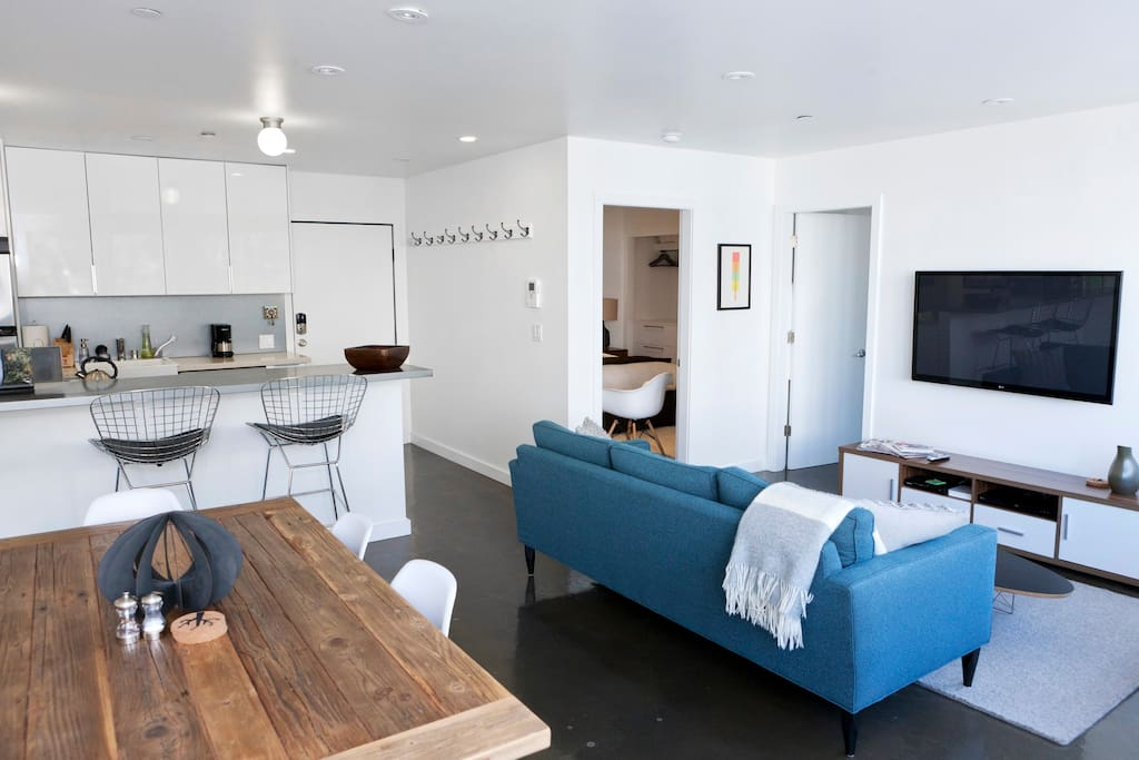 Modern furniture, open floor plan, bright and sunny and well appointed.